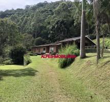 CHÁCARA EM SANTO ANTONIO DO PINHAL REF: 8063