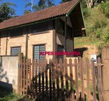 LOCAÇÃO EM SANTO ANTONIO DO PINHAL REF: 8056